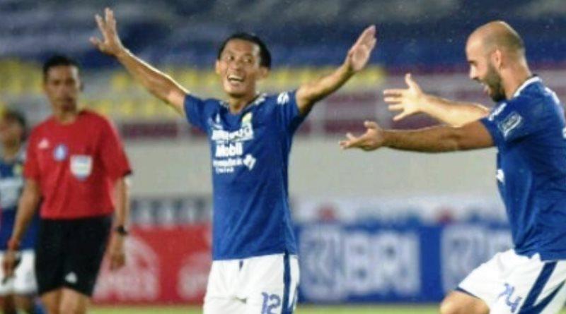 Makin Percaya Diri, Dwigol Wander Luiz dan Rashid Antar Persib Unggul atas PSS Sleman 4-2